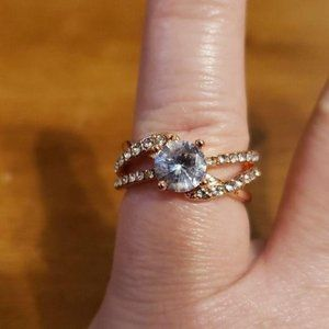 Woman Rose Gold Dinner Ring size 7